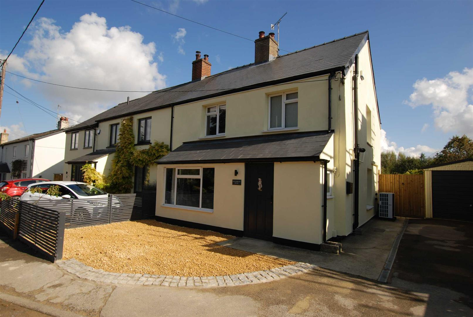 Andoversford - 3 Bed House - Semi-Detached